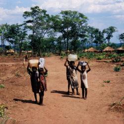 Véronique Lassailly-Jacob : L'asile en Afrique australe : Exil et retour des réfugiés mozambicains du camp d'Ukwimi en Zambie (1992-2007)
